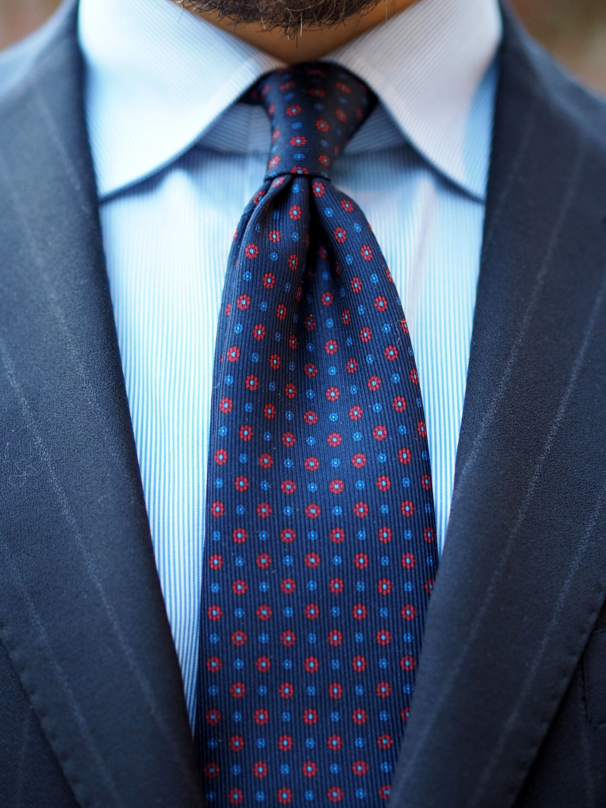 Autumnal business outfits - floral print silk tie details