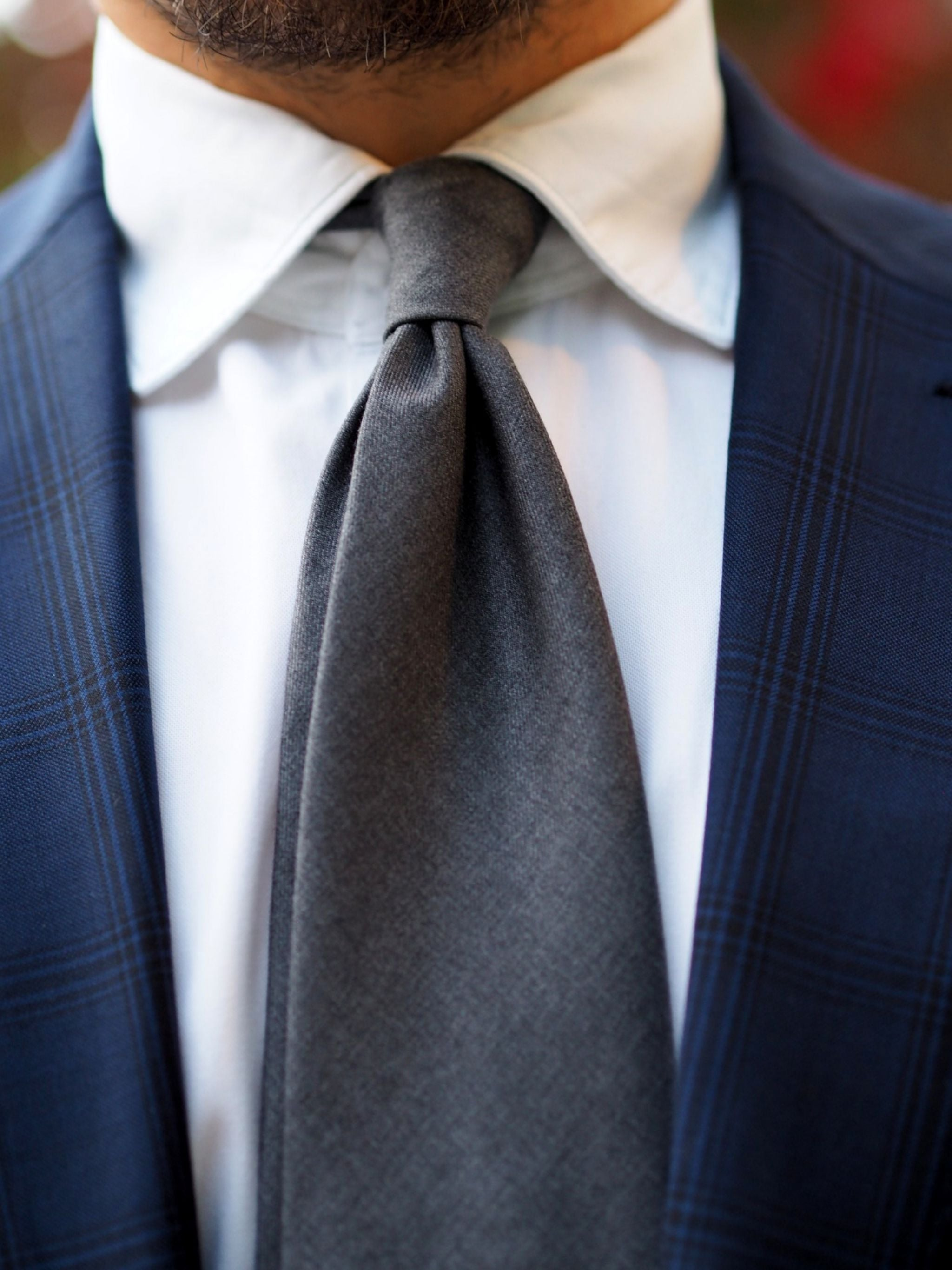 Autumnal business outfits - DLA gray wool tie details