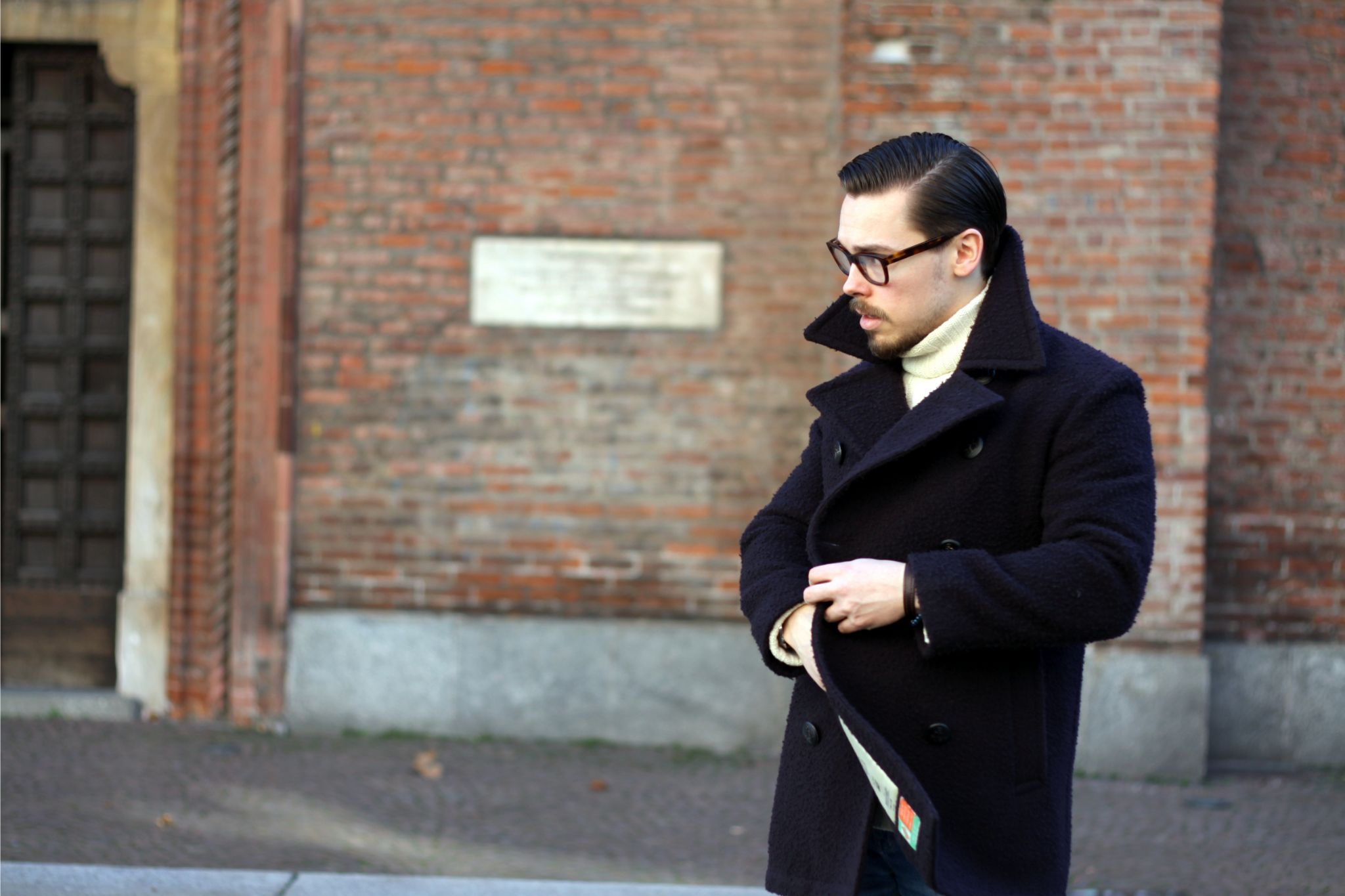 Dark blue Bastong peacoat - how to button your peacoat