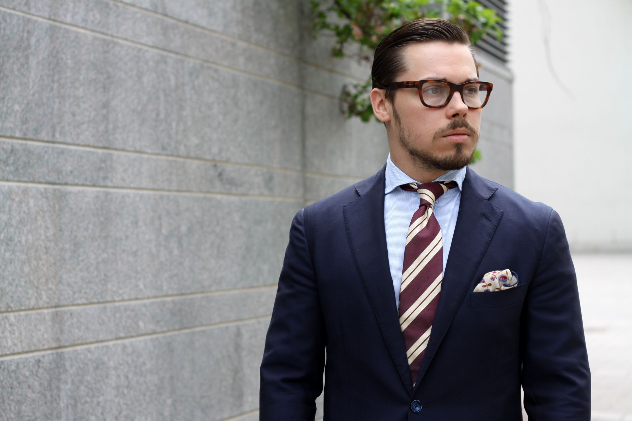 Burgundy accessories - fully appropriate for business wear
