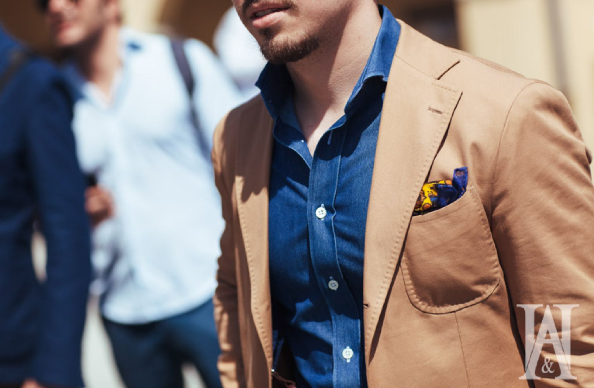 Pitti Uomo 90 preview - Cotton suit with denim shirt
