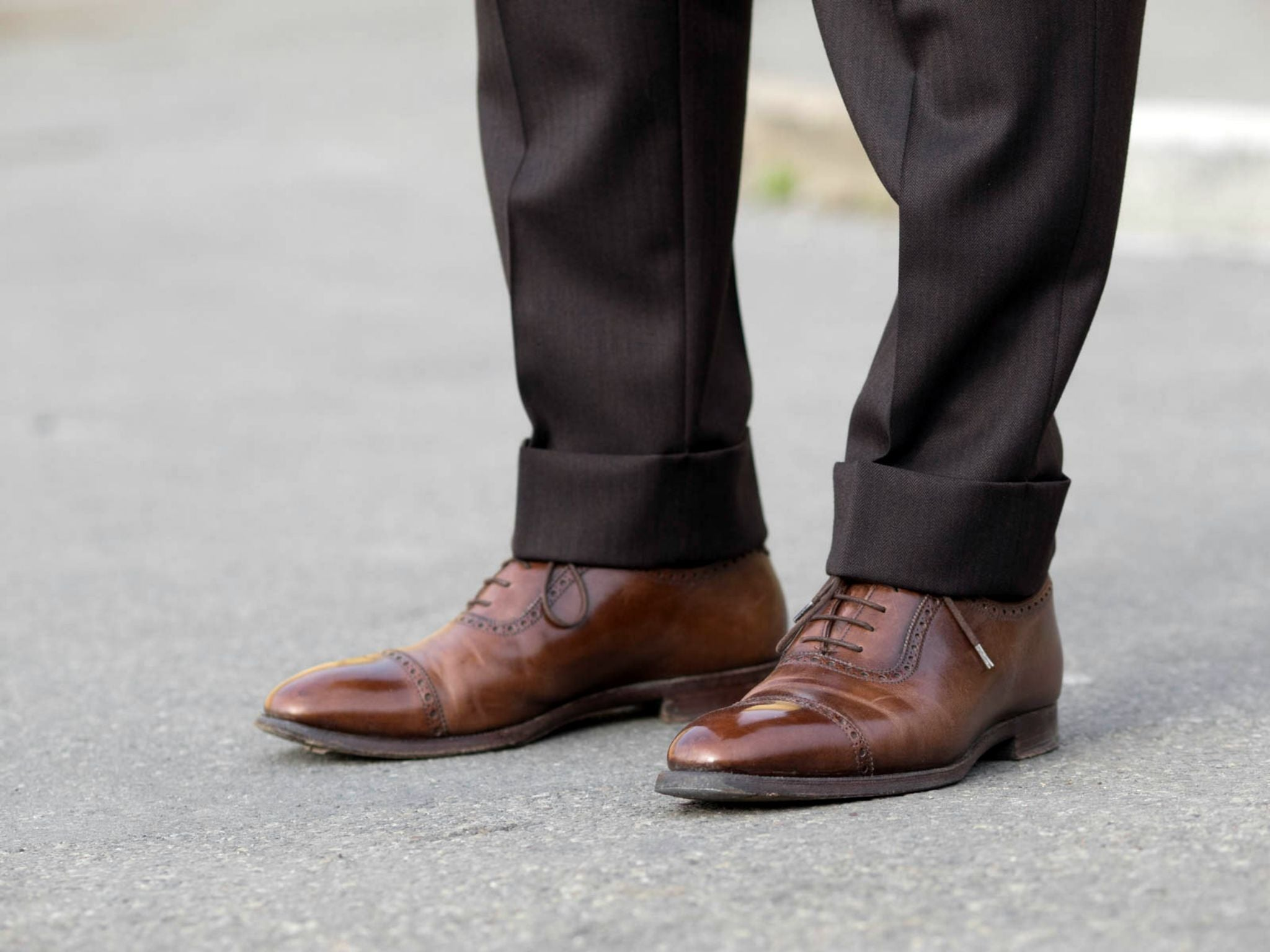 Suit for all seasons - brown calf leather adelaide oxfords with the brown herringbone suit