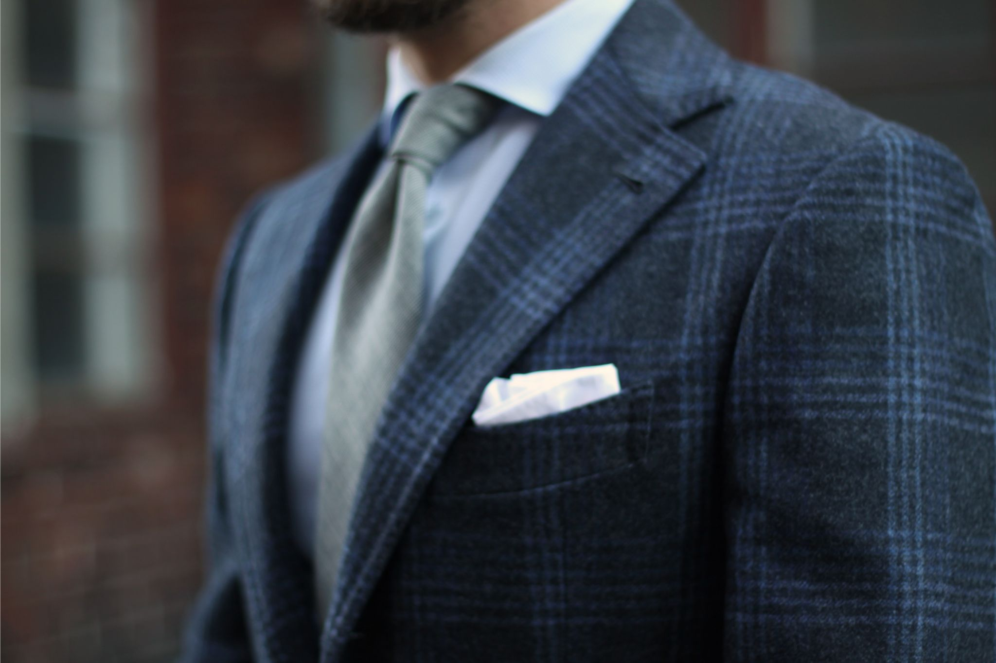 G.Abo Napoli suit details - gray suit with white pocket square
