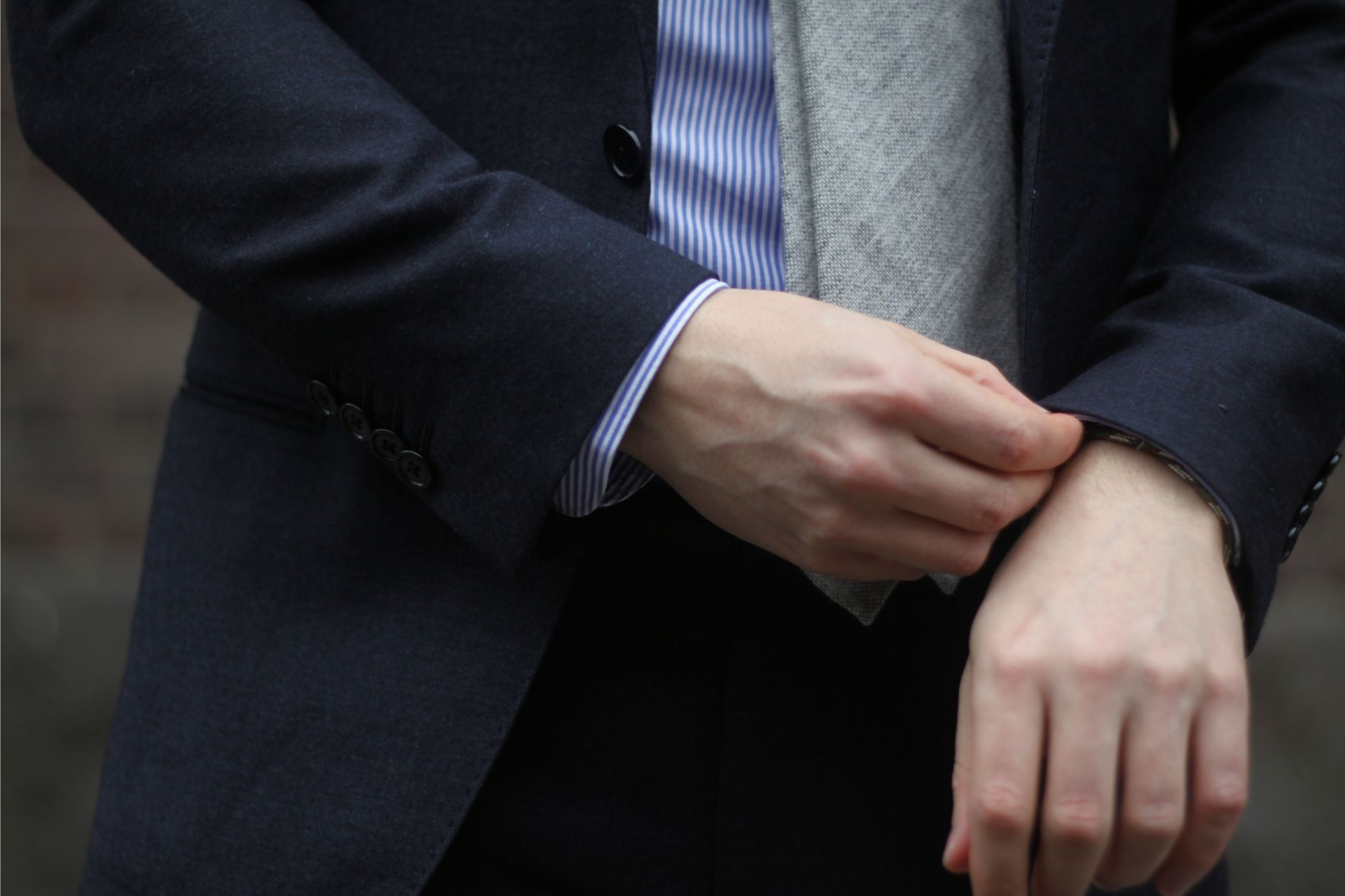Gray suit with gray tie - details