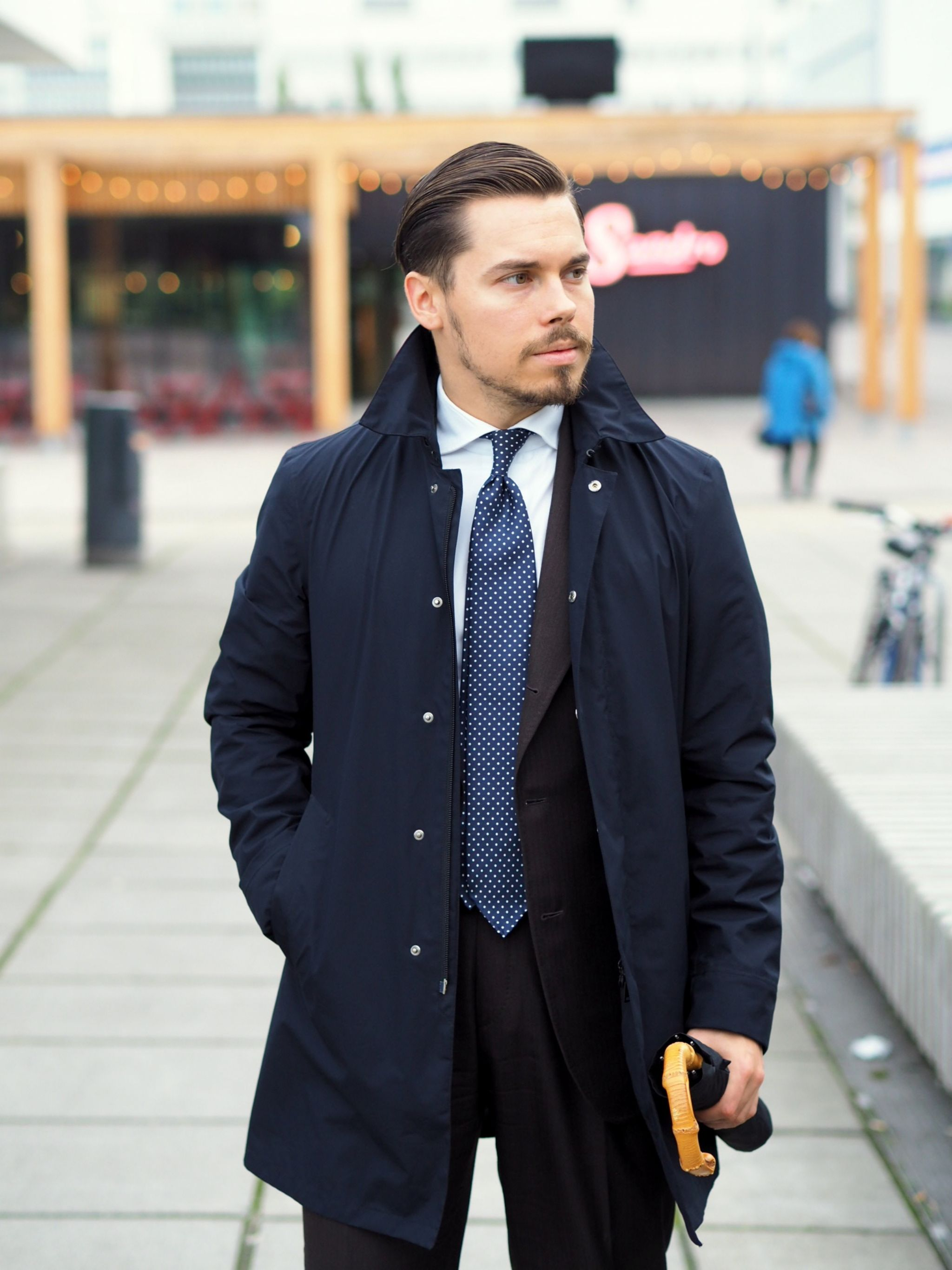 Autumnal business outfits - Herno rain jacket with brown suit