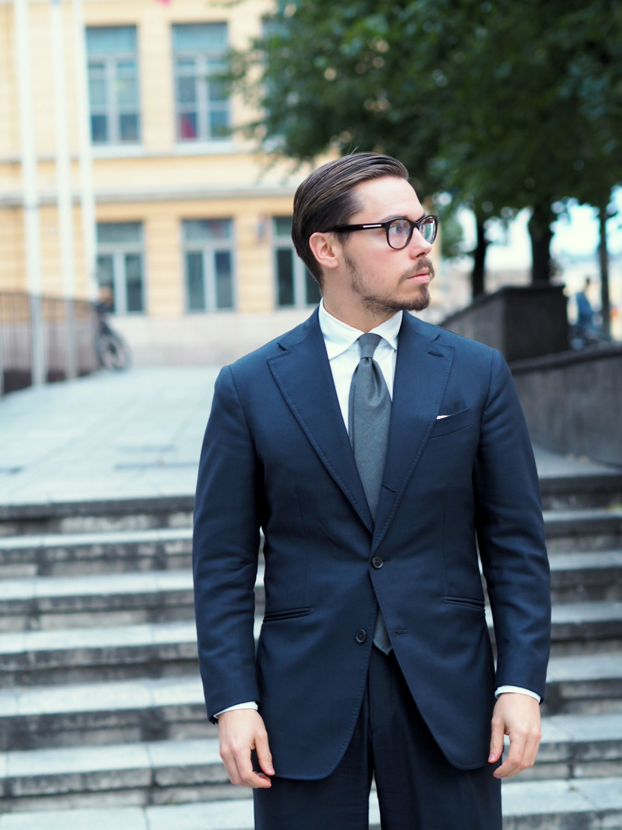 Autumnal business outfits - blue four season suit with DLA gray wool tie