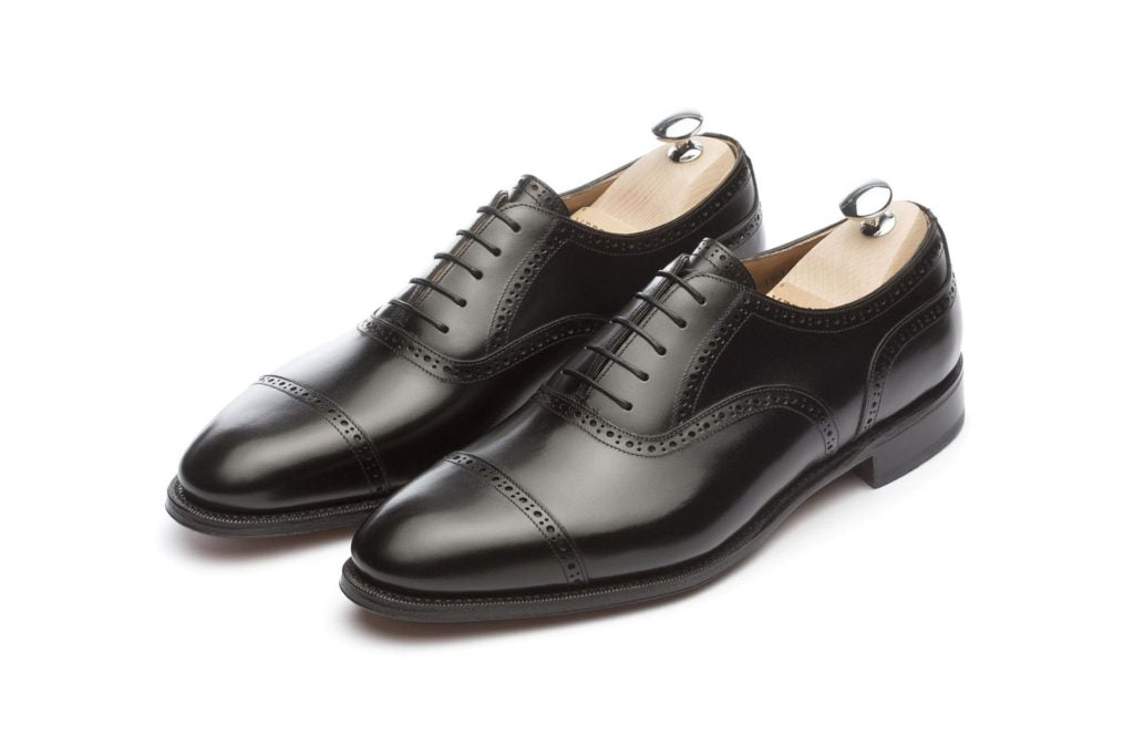 How-to-suit-up-for-graduation-black-oxford-shoes.jpg