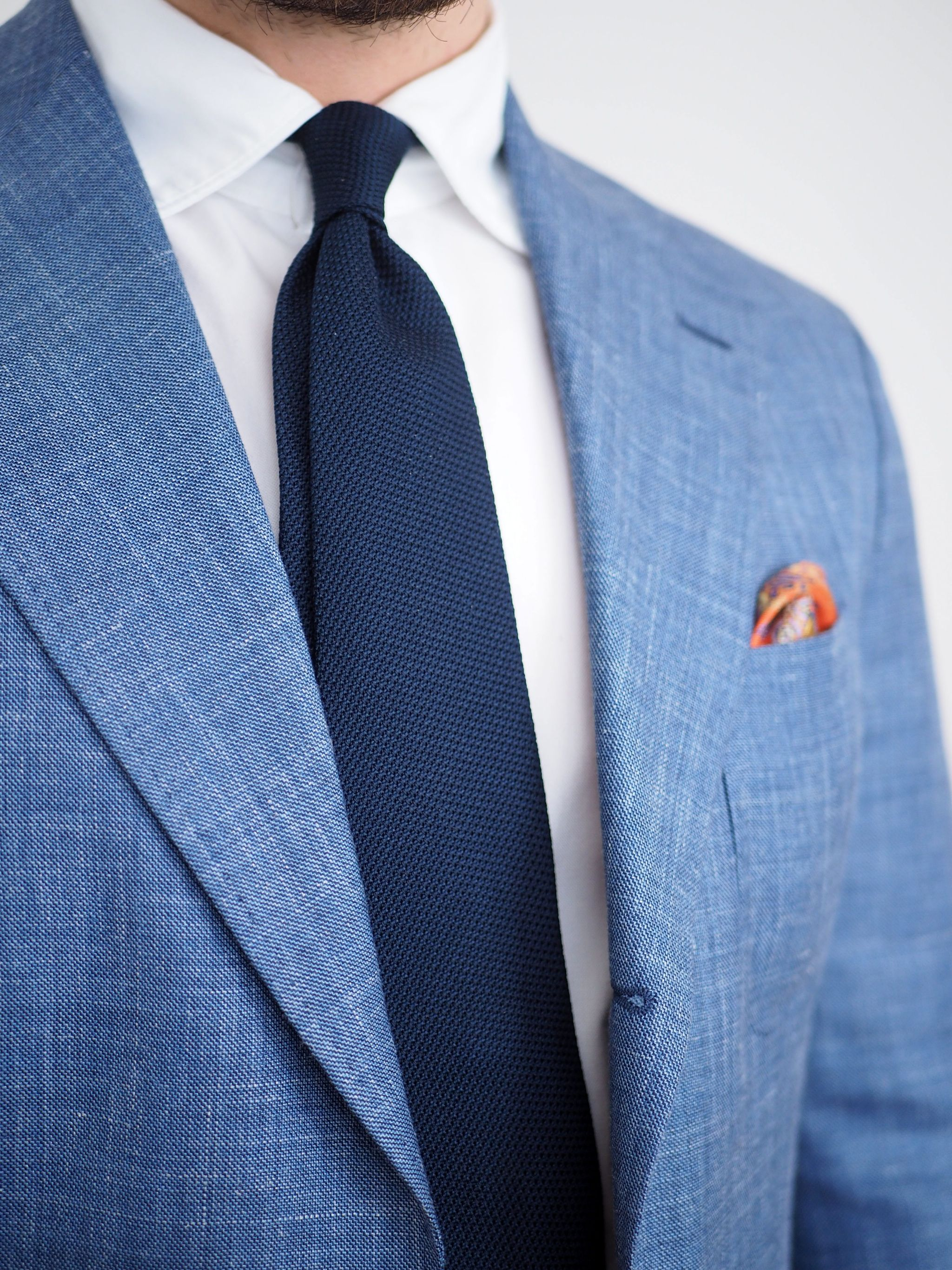Blue suti - Navy blue DLA grendine tie with the soft collar oxford shirt and silk pocket square