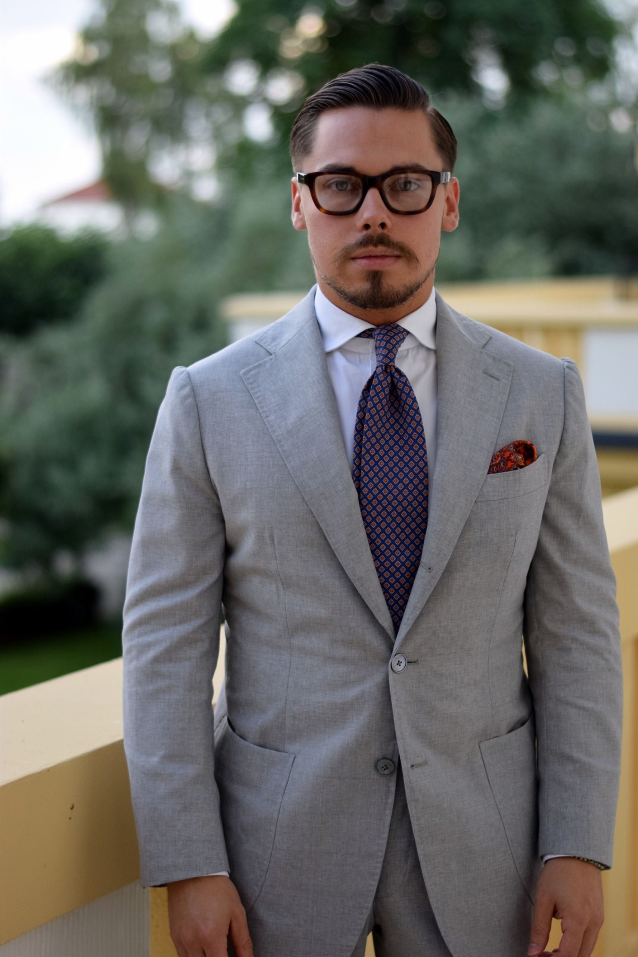 Light gray suit with orange accessories - Suit and tie by Vaatturilike Sauma with DLA white oxford shirt
