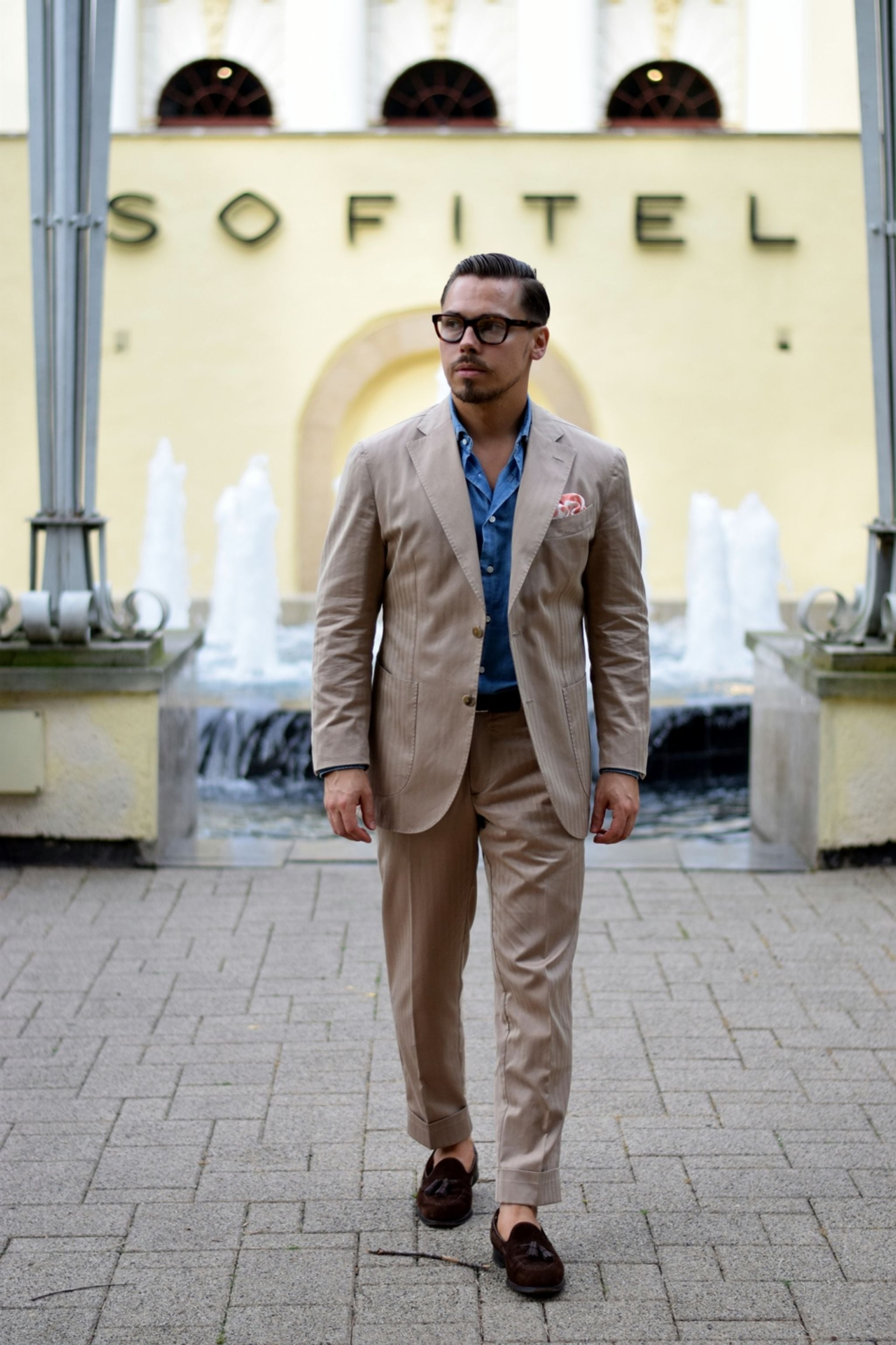 Lubiam-Solaro-suit-with-DLA-denim-shirt-and-CJ-suede-loafers