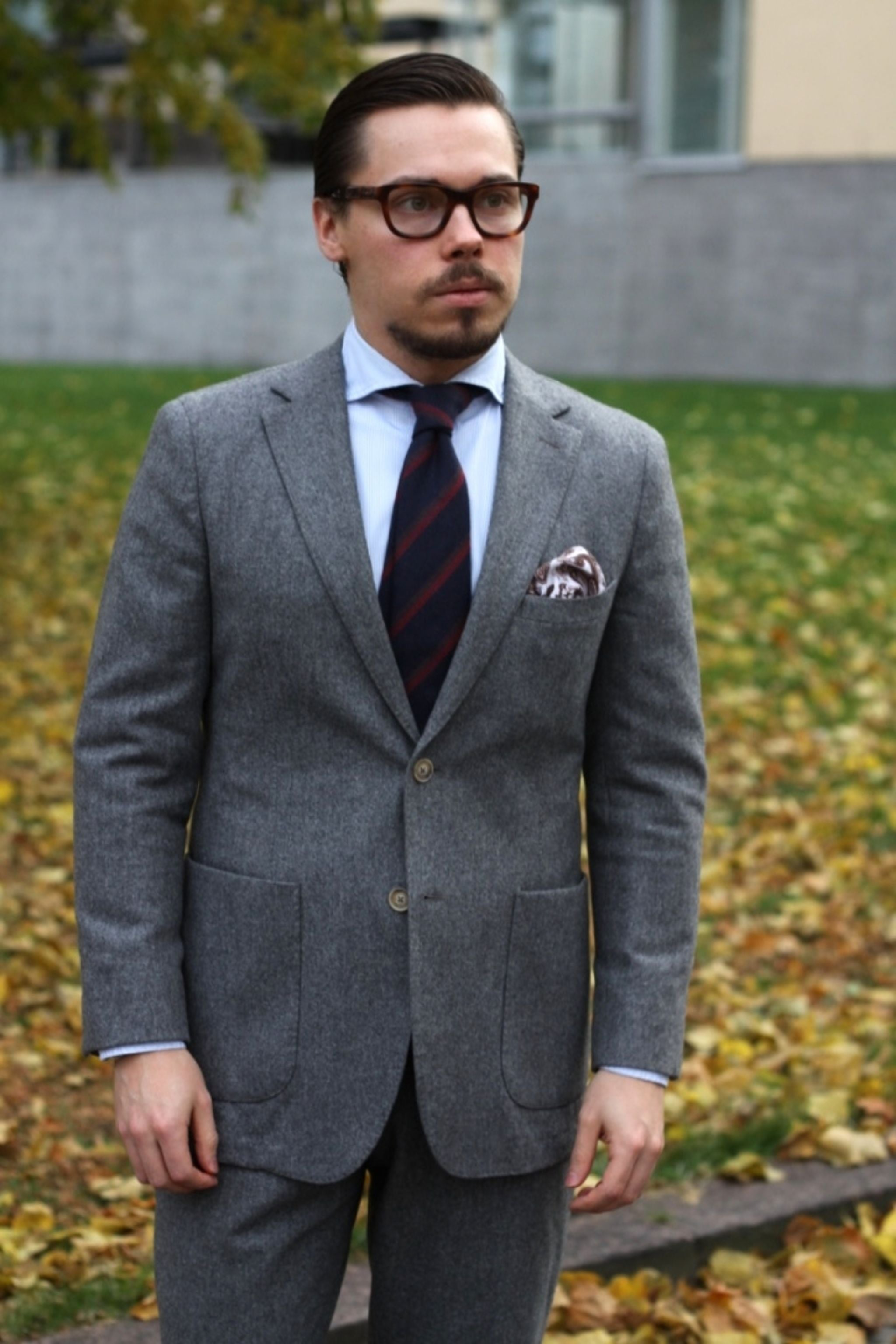 Suit with cashmere tie - Mid-gray flannel suit by Vaatturiliike Sauma