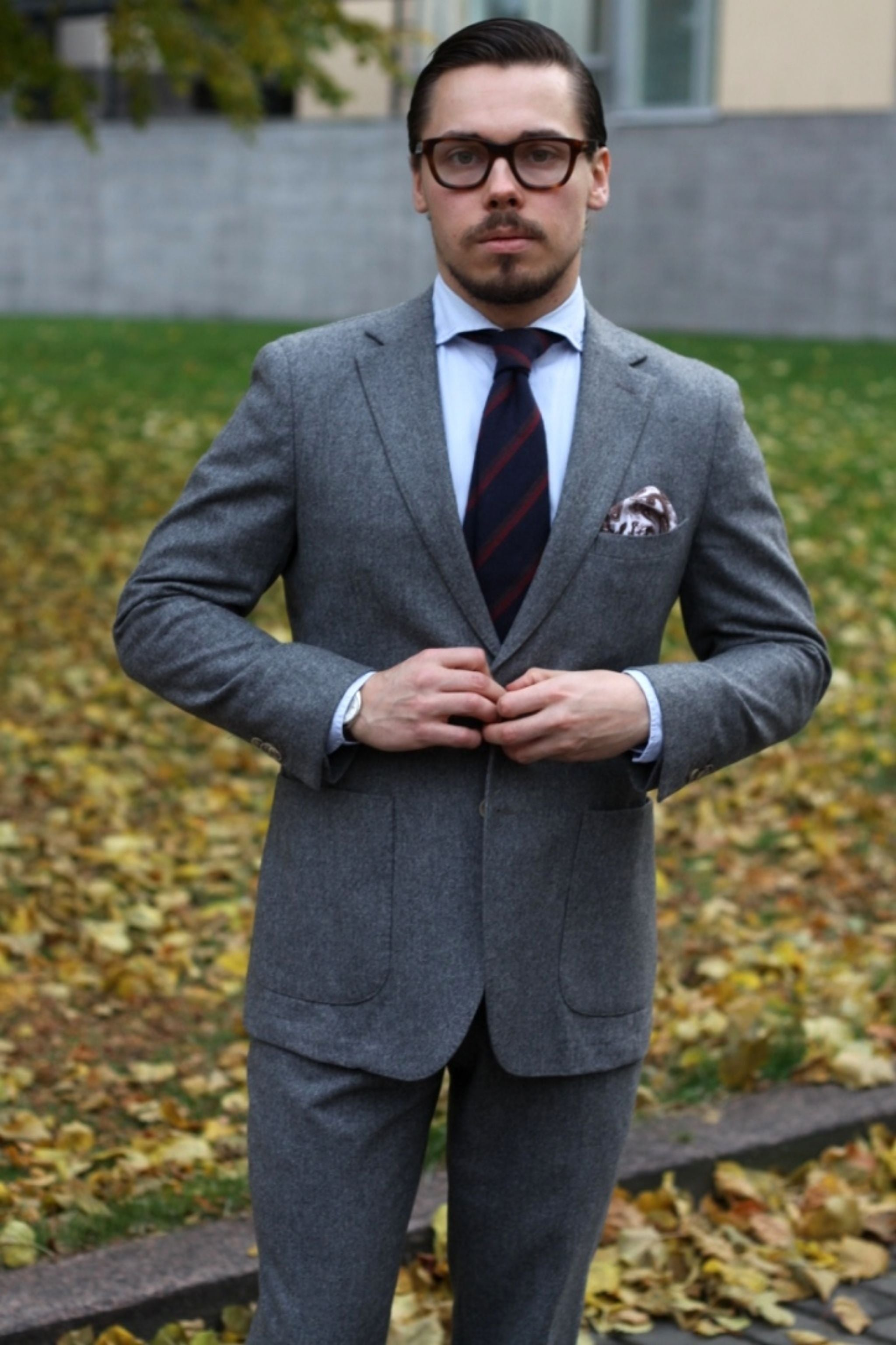 Suit with cashmere tie - mid-gray flannel and blue cashmere