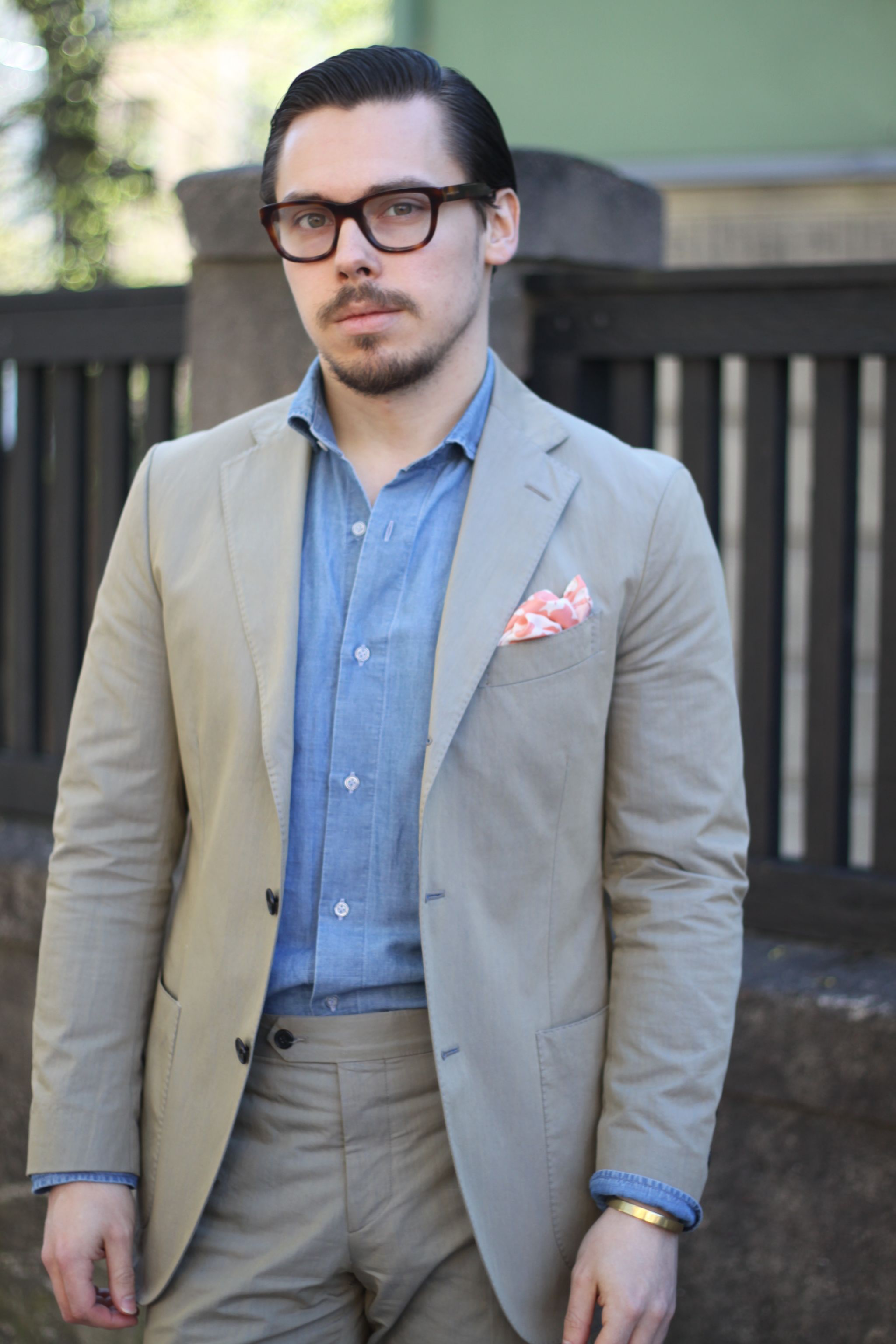 Suit without a tie - olive green cotton suit with denim shirt