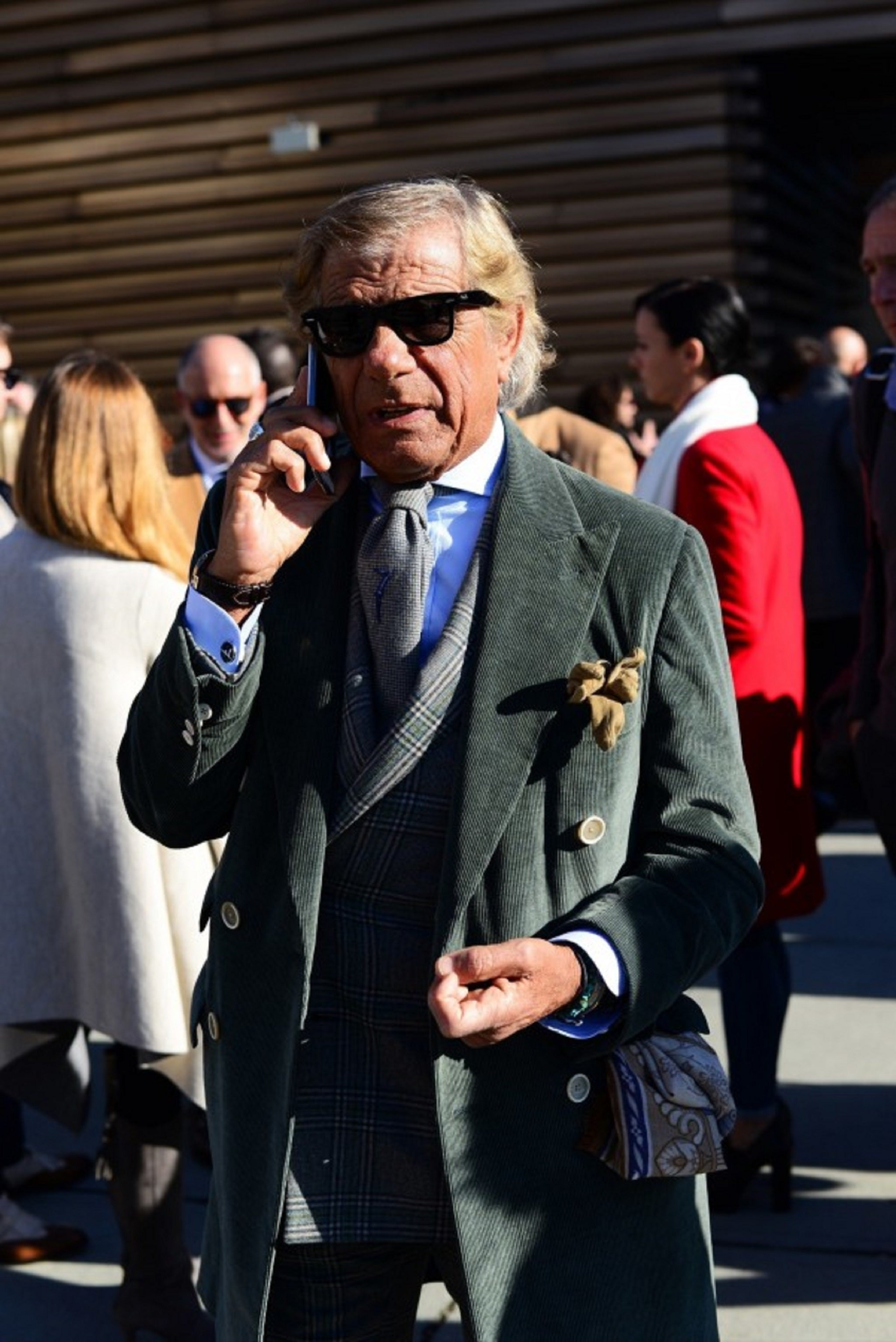 How to tie your tie - Pitti Uomo 89 - Lino Ieluzzi 7-tie