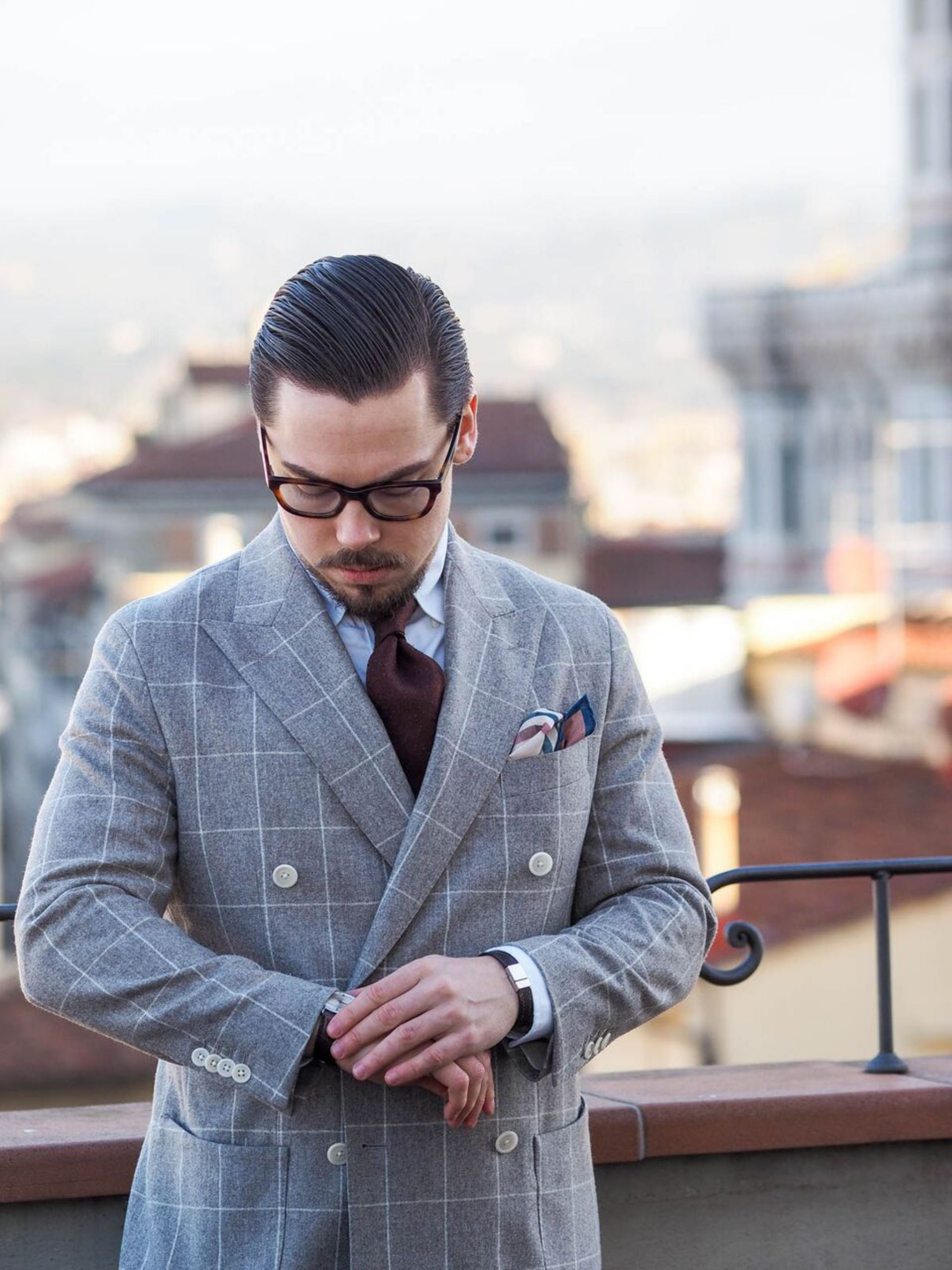 How to dress down a suit - me wearing a windowpane suit in Florence