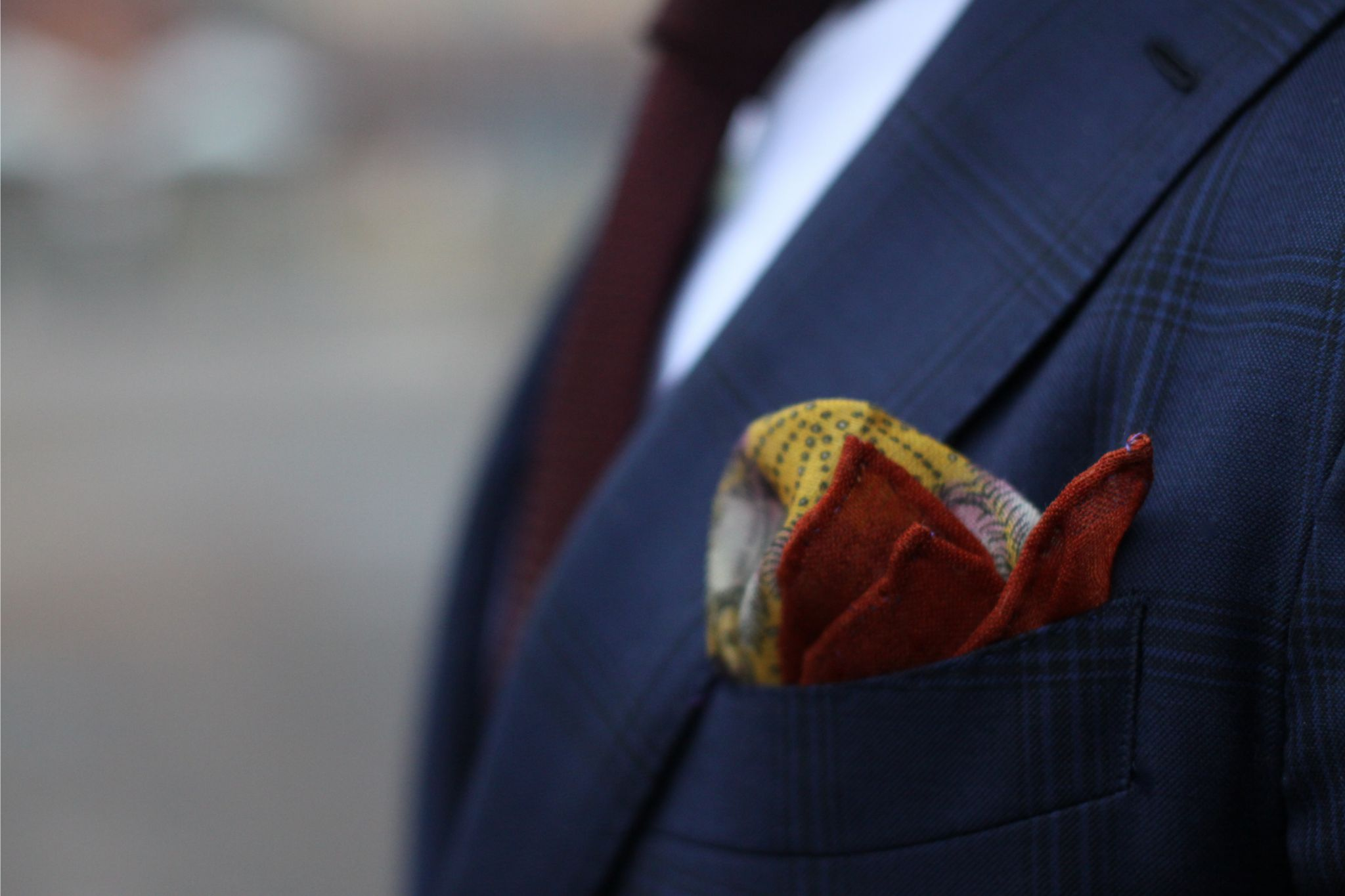 Burgundy grenadine tie with blue suit - Pocket square by Monsieur Fox