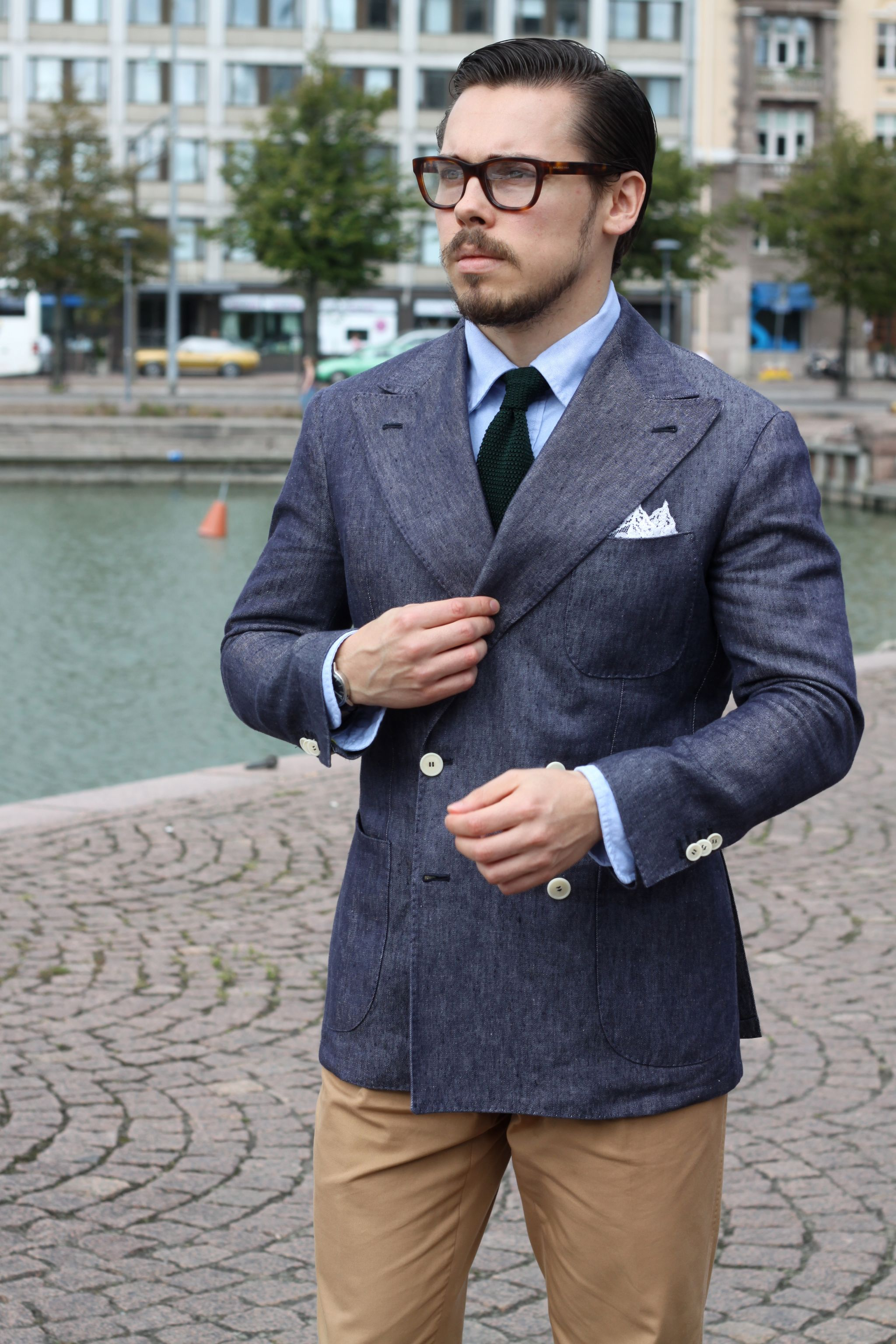 Cotton suit trousers and double breasted blazer