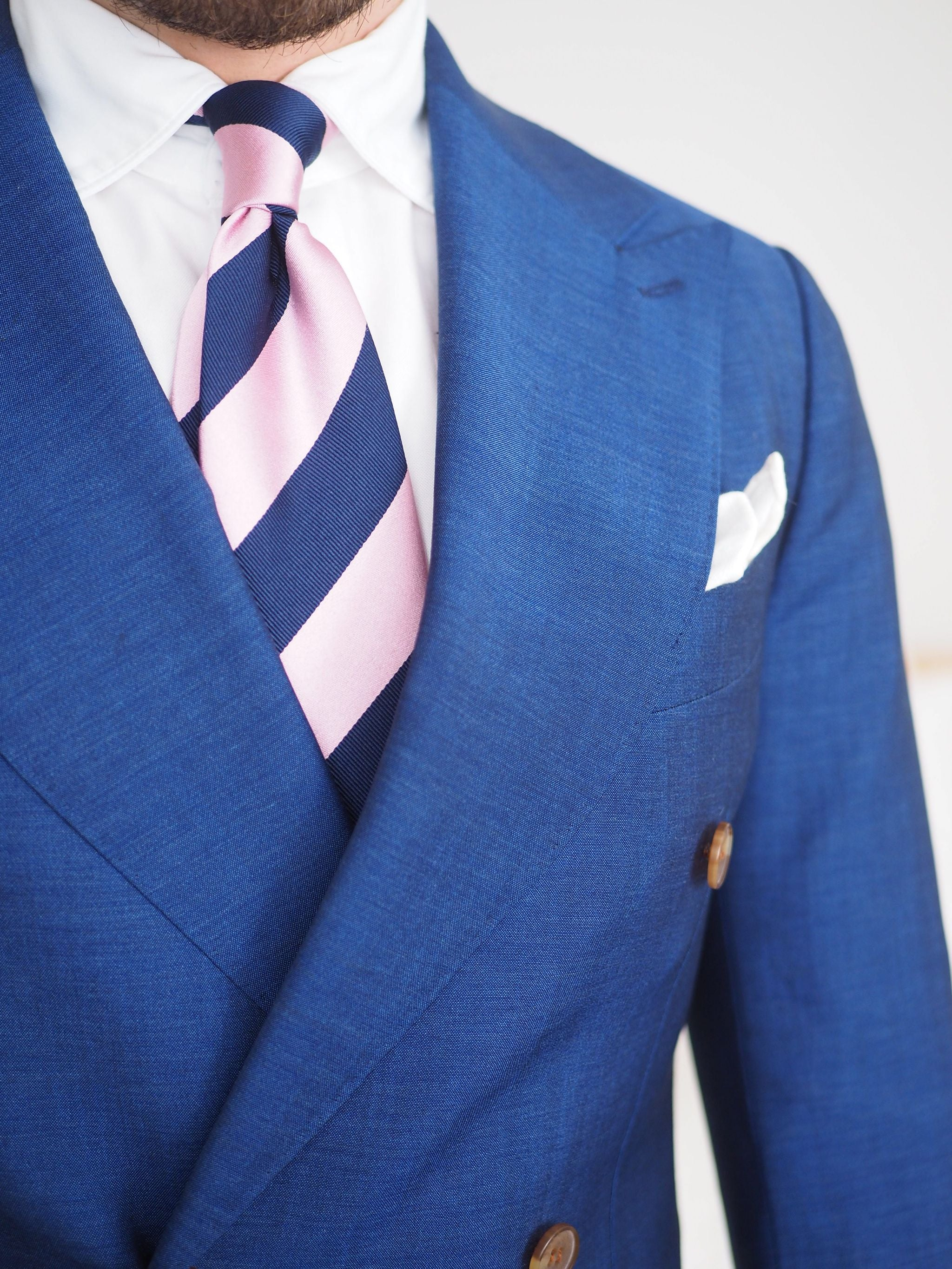 Blue suits - Striped silk tie close-up