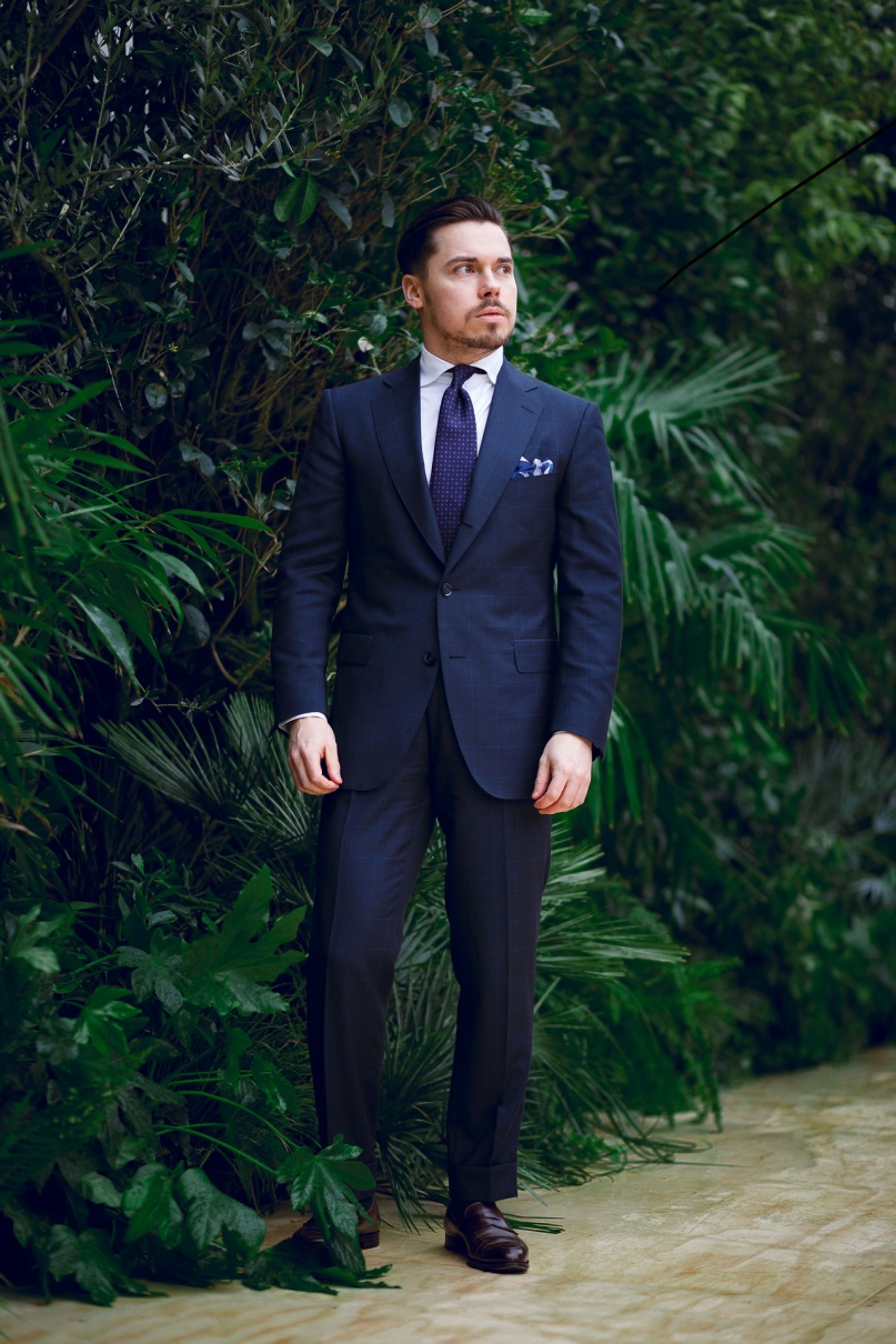 Scabal mtm suit with DLA white oxford shirt and printed silk tie