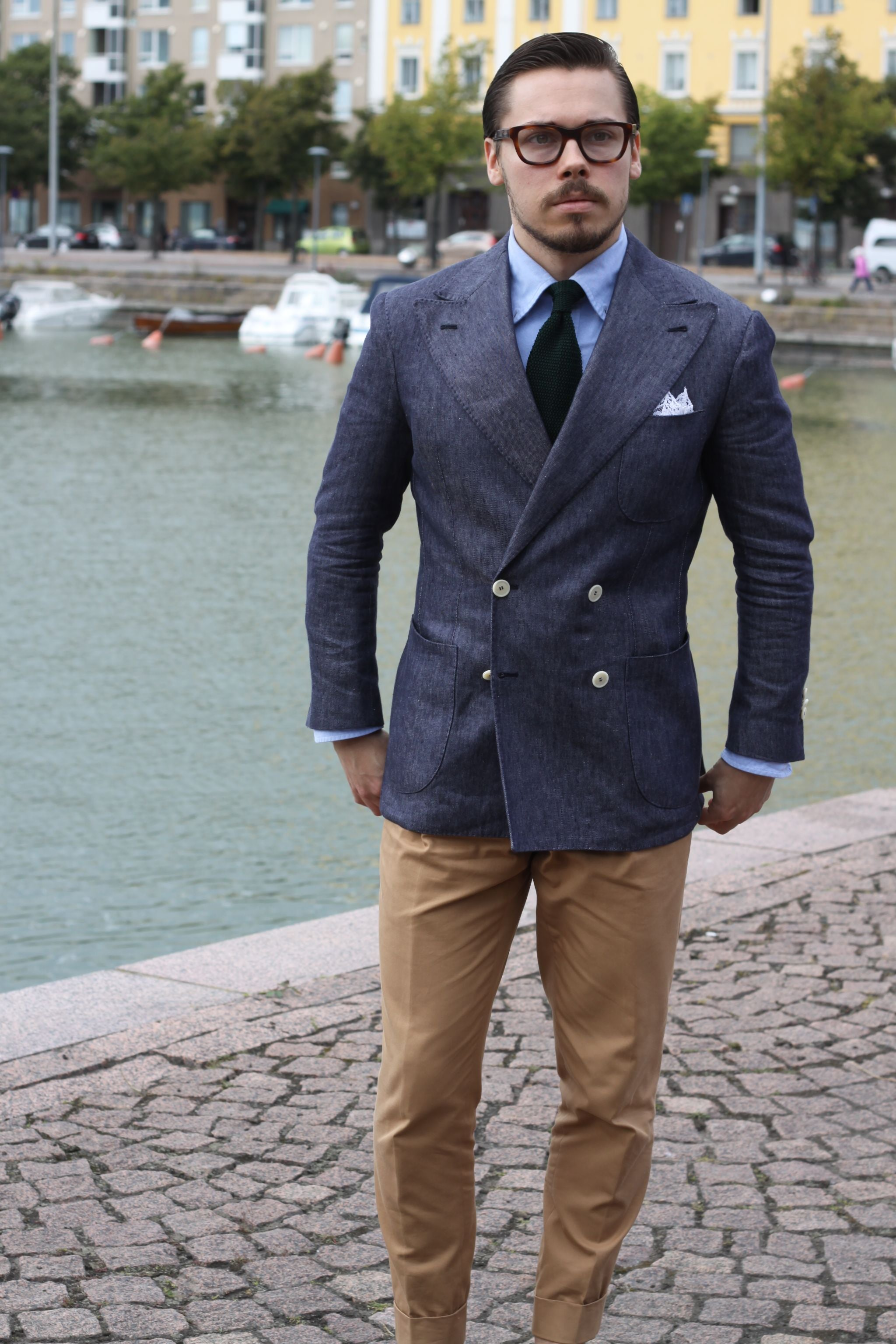 Cotton suit trousers and a blazer