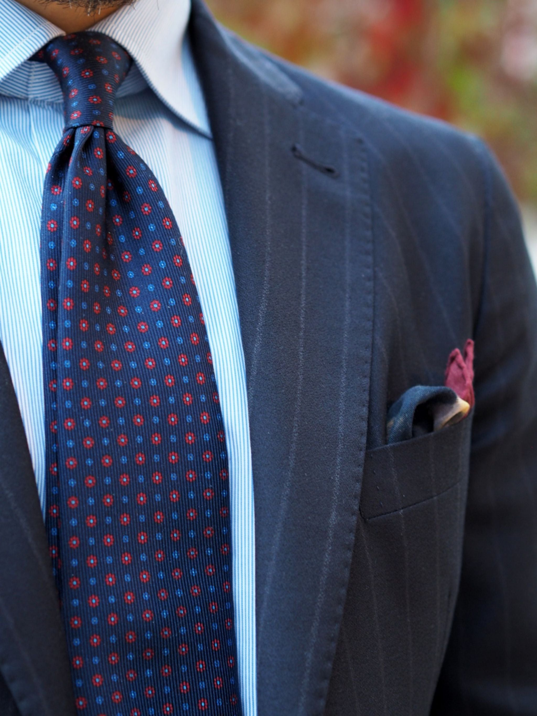 Autumnal business outfits - DLA floral pattern tie details