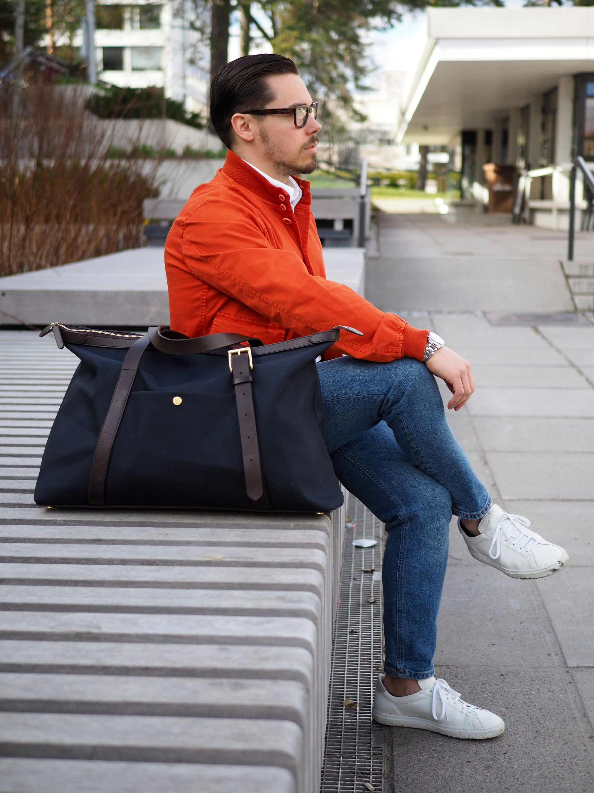 Cotton blouson with denim and classic white sneakers