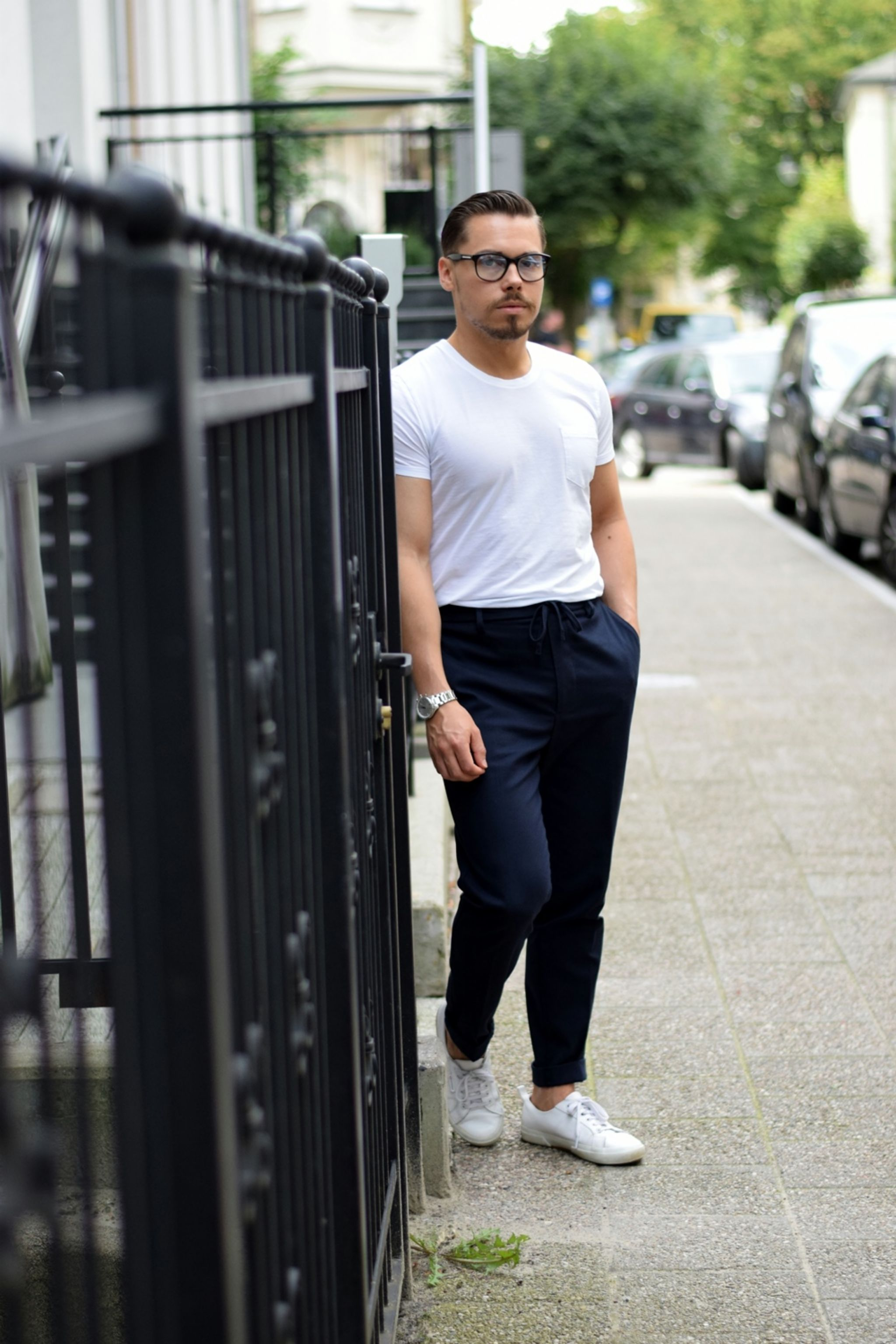 White-t-shirt-for-relaxed-summer-style