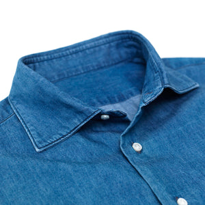 Spread collar lightweight denim shirt