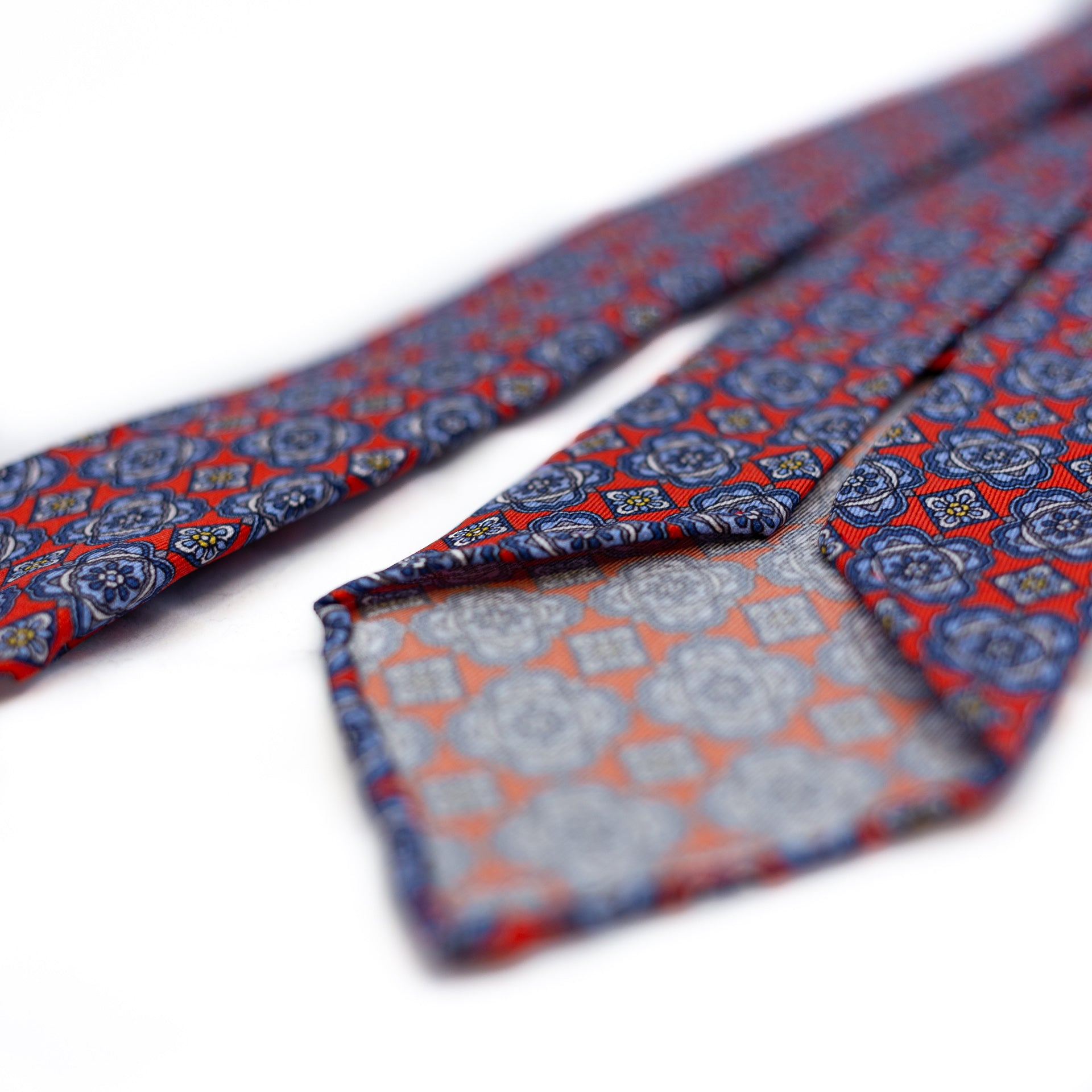 Red 5-fold printed silk tie