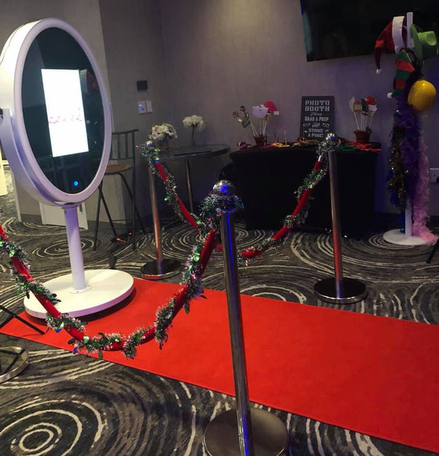 Oval Mirror Booth