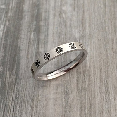 Silver Daisy Flower Promise Ring (3mm)