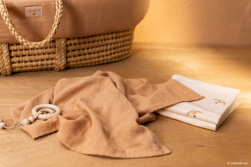 NEW ELEMENTS. Baby Love swaddle Nude