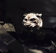 Load image into Gallery viewer, Panther Totem Silver Ring