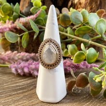 Load image into Gallery viewer, Moonstone sterling silver ring