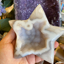 Load image into Gallery viewer, Druze Agate Star carving