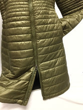 Load image into Gallery viewer, Patagonia Parka Coat, Size Medium