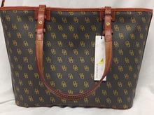 Load image into Gallery viewer, New with tags Dooney & Bourke Handbag