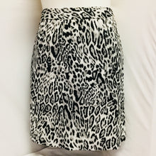 Load image into Gallery viewer, New with tags Worthington Skirt, Size 14