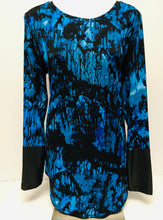 Load image into Gallery viewer, NYGARD Long Tunic Top, Size Small