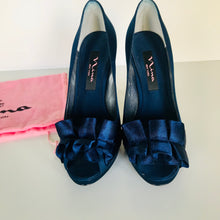 Load image into Gallery viewer, NINA Heels, Midnight Blue, Size 6