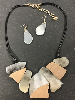 Cellulose and Wood Necklace