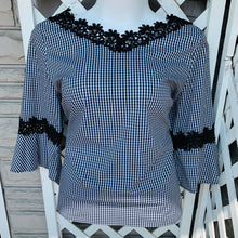Load image into Gallery viewer, Chico's Top Sz 3 (XL)