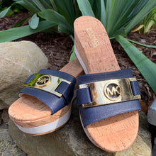 Load image into Gallery viewer, Michael Kors Sandals sz sz 6