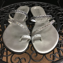 Load image into Gallery viewer, Italian Shoemakers Sandals sz 7.5