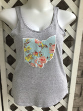 Load image into Gallery viewer, Little Chicago clothing Co. sleeveless top size L