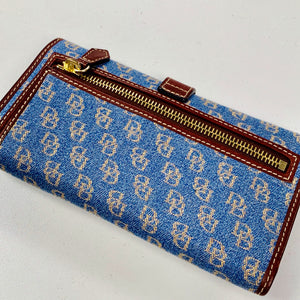 Dooney Bourke Wallet