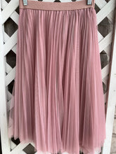 Load image into Gallery viewer, Charlotte Russe Skirt Sz M