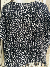 Load image into Gallery viewer, Animal Print Poncho One size