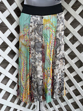 Load image into Gallery viewer, Coldwater Creek skirt size S