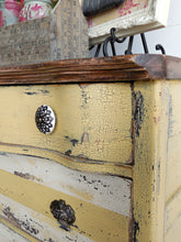 Load image into Gallery viewer, Love Bug | Sweet Pickins | Milk Paint